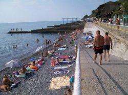 Пляж поселка Ливадия в Крыму